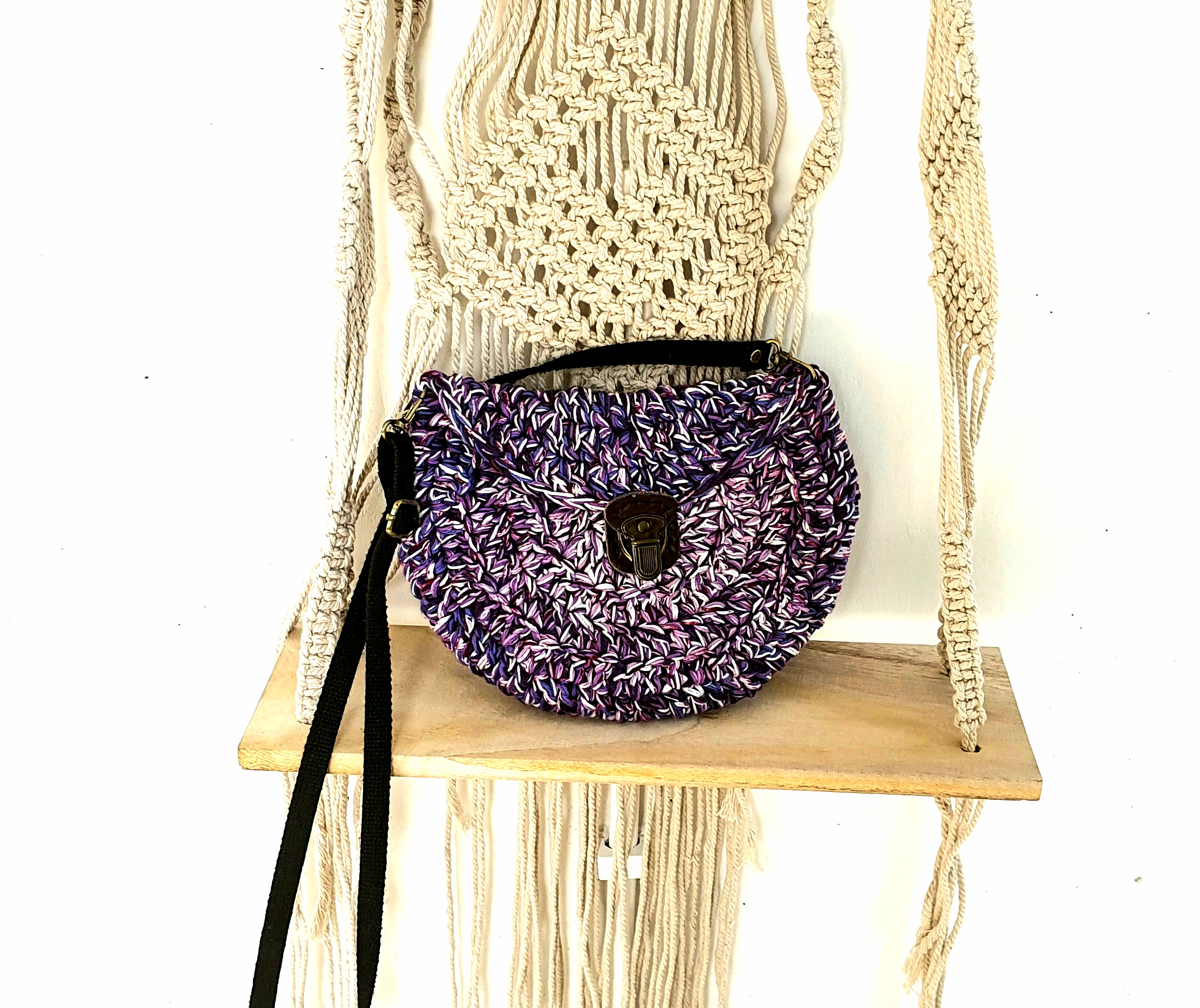Left Over Yarn Purse. Free Pattern & Video Tutorial