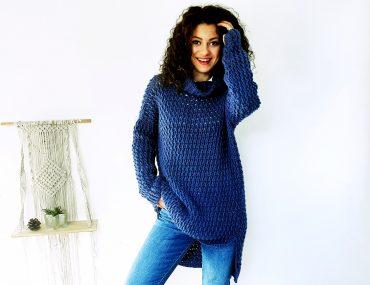 Coaty Sweater. Free Crochet Pattern & Video Tutorial