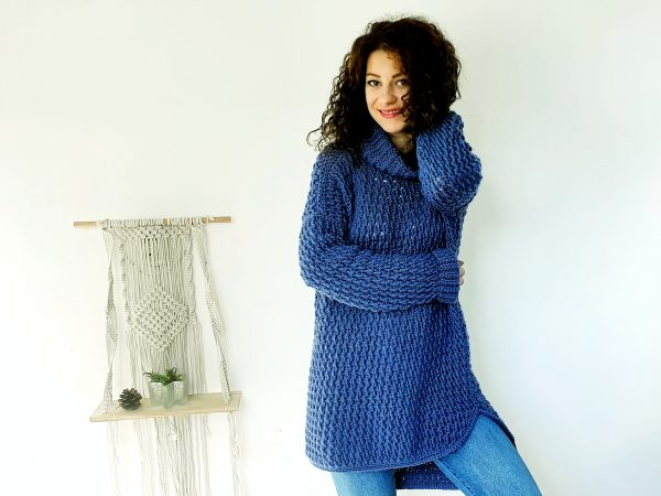 Coaty Sweater. Free Crochet Pattern & Video Tutorial