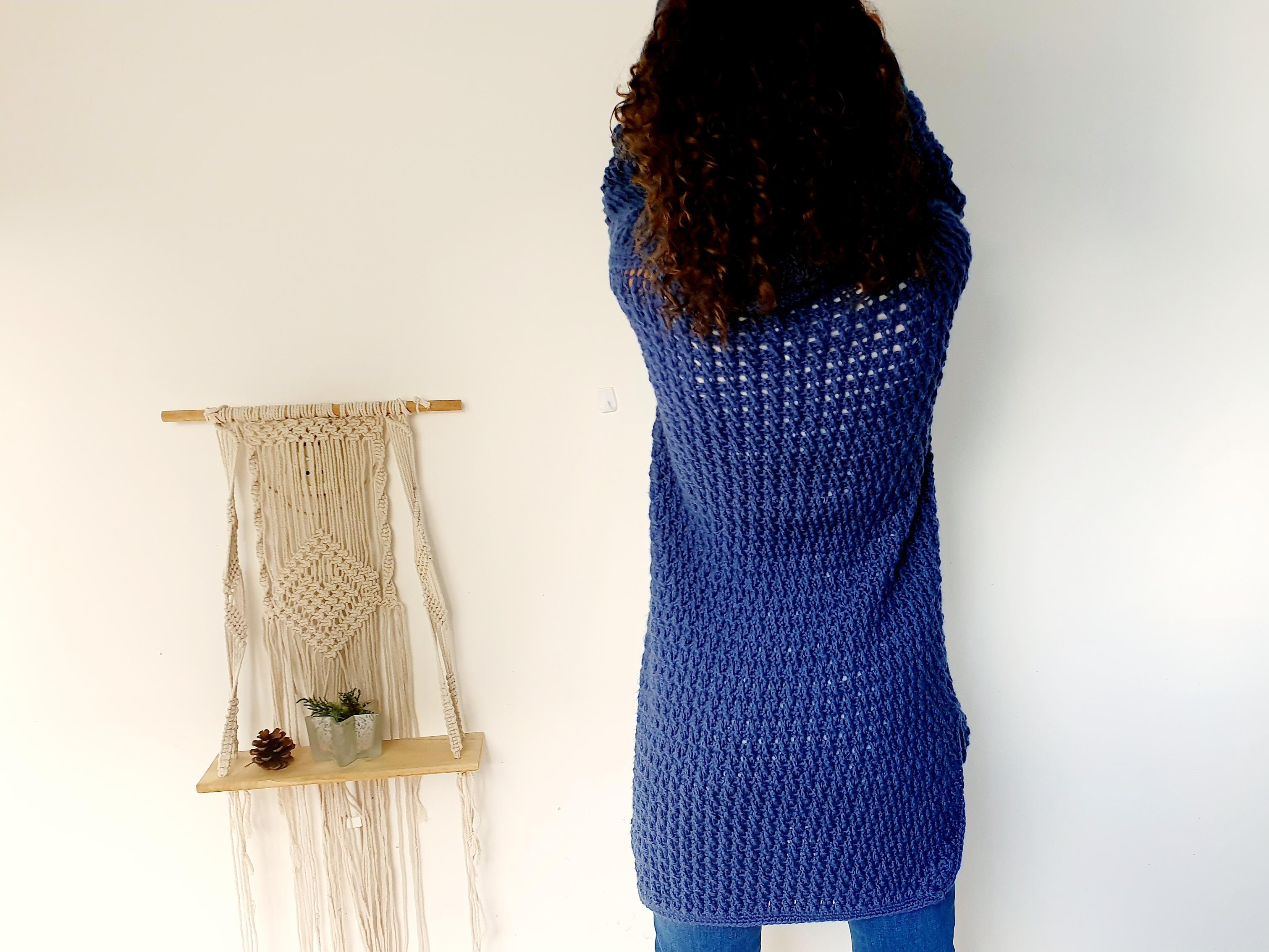 Coaty Sweater. Free Pattern & Video Tutorial