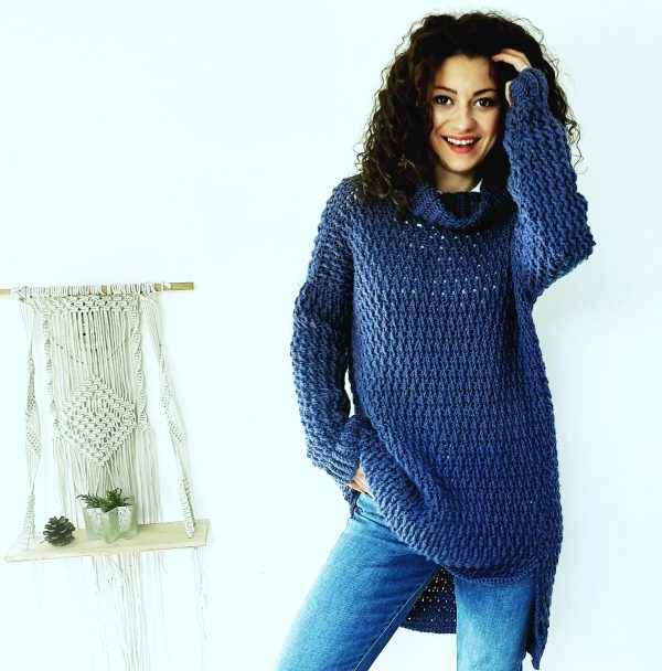 Coaty Sweater. Free Pattern & Video Tutorial