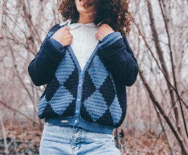 Deep Blue Cardigan. Crochet Pattern